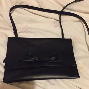 Handbags - Super cute crossbody 👜👍🏼❤️